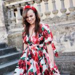 https://tova.pl/sklep/sukienki/sukienka-z-kopertowym-dekoltem-red-peony-2/